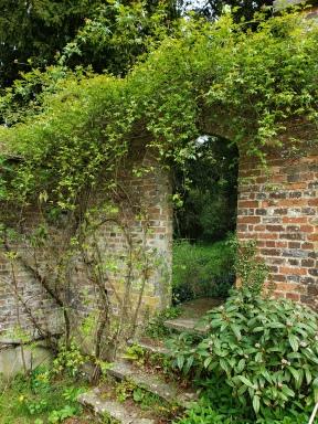 To the Chawton manor garden